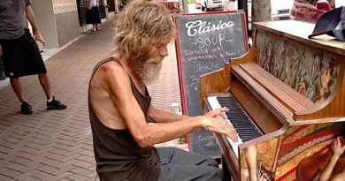 Homeless Man Gets A Record Deal